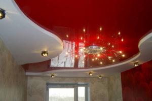 Глянцевые натяжные потолки в Казани